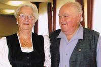 Die Namensgeber Ruth und Sepp Koelbis waren selbst Urgesteine der Siegerlaender Turnerfamilie. Dieser noch junge Preis, der auch an das besondere Engagement des Turner-Ehepaar Koelbis erinnern soll, wurde im Rahmen des Bezirksturntages beim TV Freudenberg zum zweiten Mal vergeben.